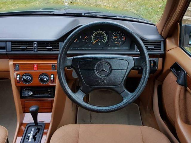 W124 mercedes-benz, mercedes-benz, mercedes, benz, w124, e class, german, luxury car, luxury, motoring, automotive, drivetribe, lewis kingston, calssic car, retro car, classic, retro, w123