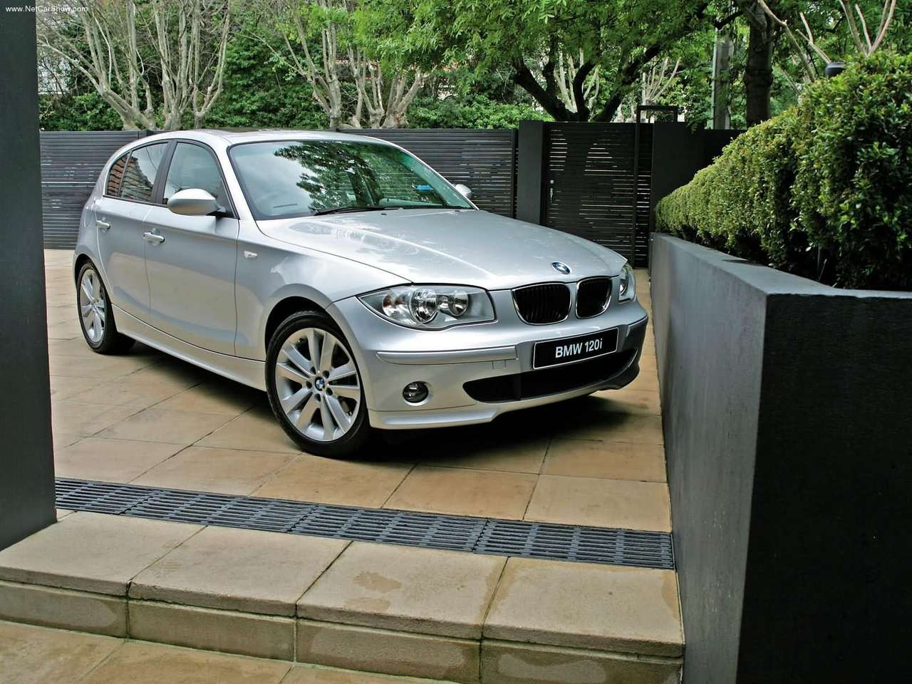 bmw 1-series, bmw, 1-series, 116i, 118i, 120i, ultimate driving machine, 130i, m sport, bmw m sport, german, german car, motoring, automotive, cars, car, autotrader, ebay, car sales, cheap car, not2grand