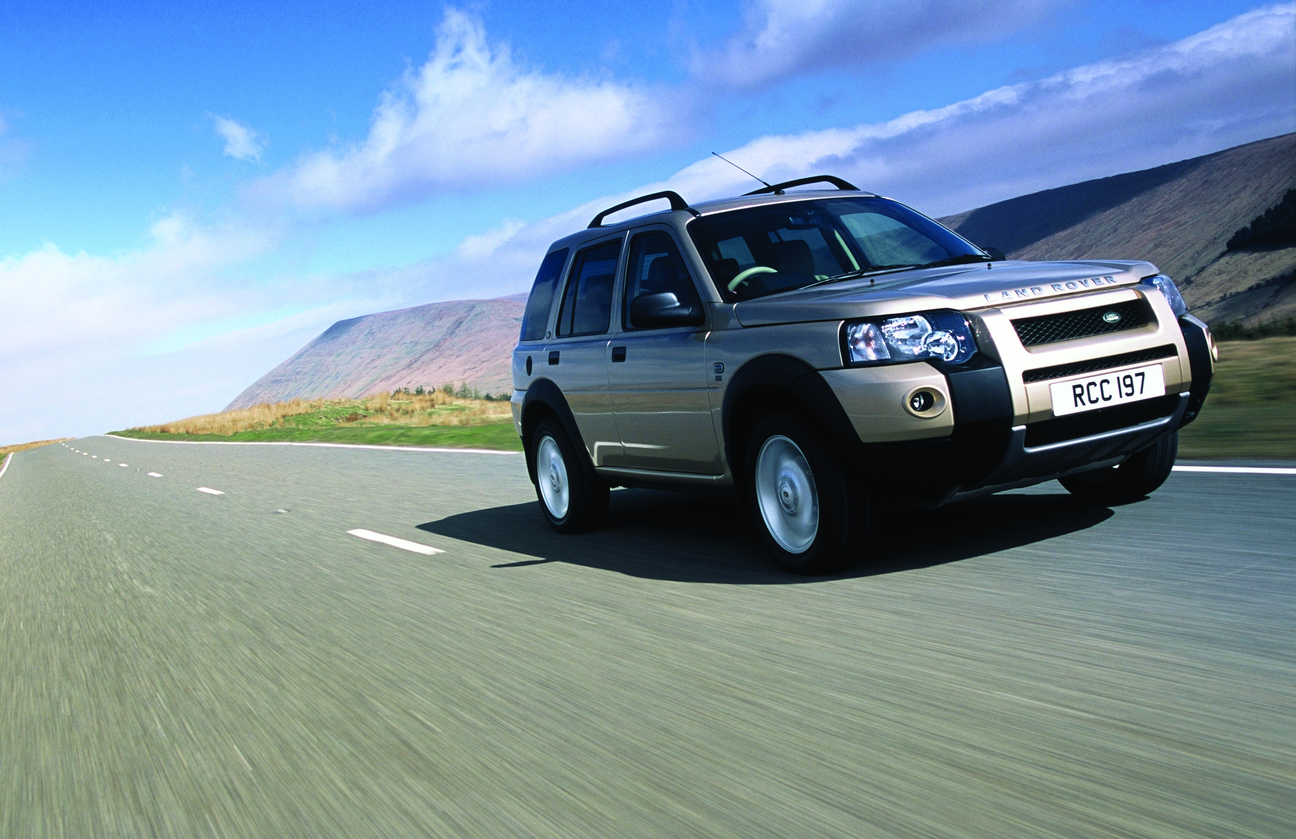 Land Rover Freelander, Land Rover, Freelander, Defender, Land Rover Defender, Land Rover Discovery, Discovery, 4x4, off road, winching, classic car, retro car, car sales, bargain car, cheap car, autotrader, ebay motors, car, cars, motoring, automotive