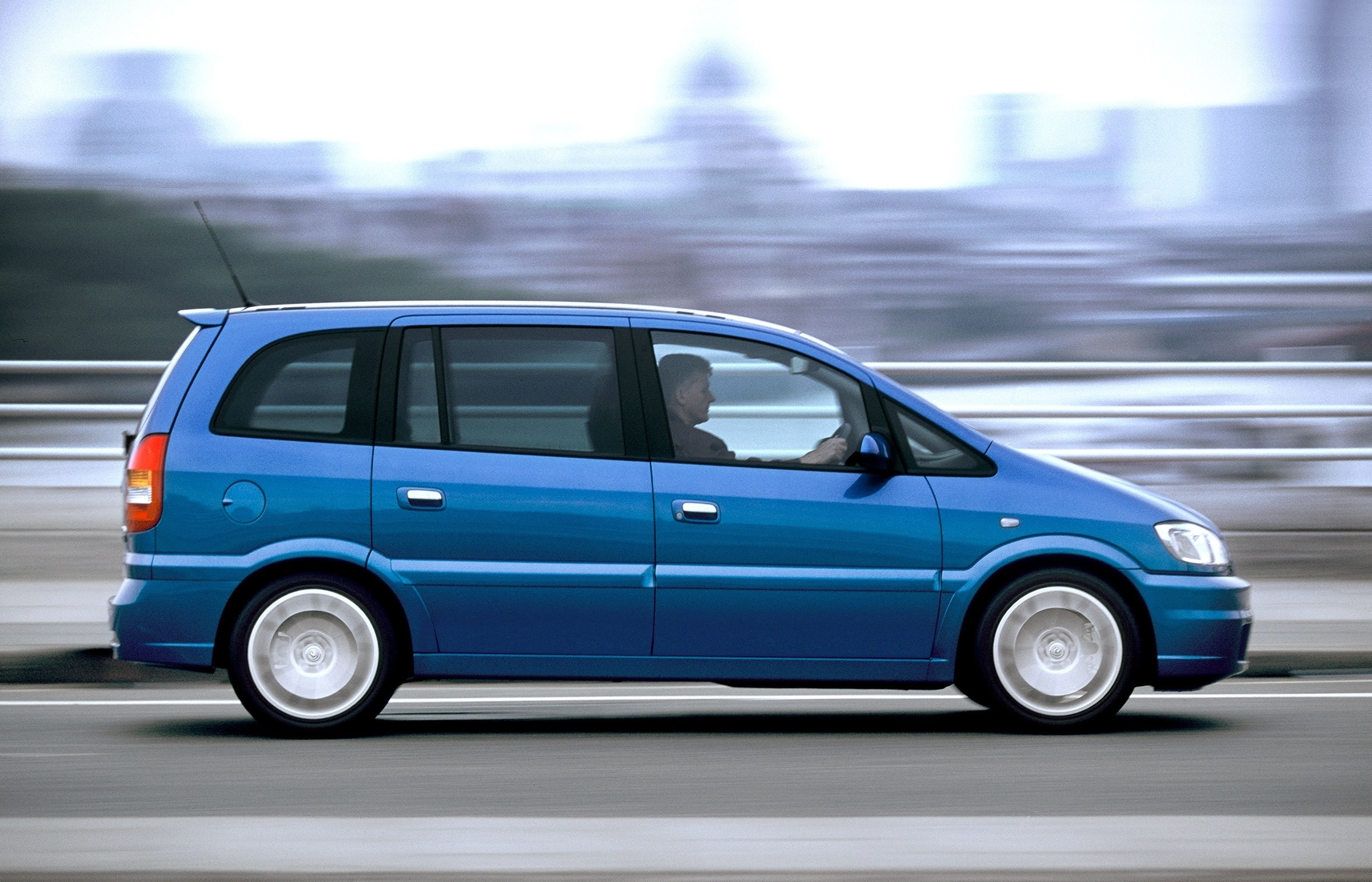Zafira - Yeah, the family car with all the seats. And in this case ...