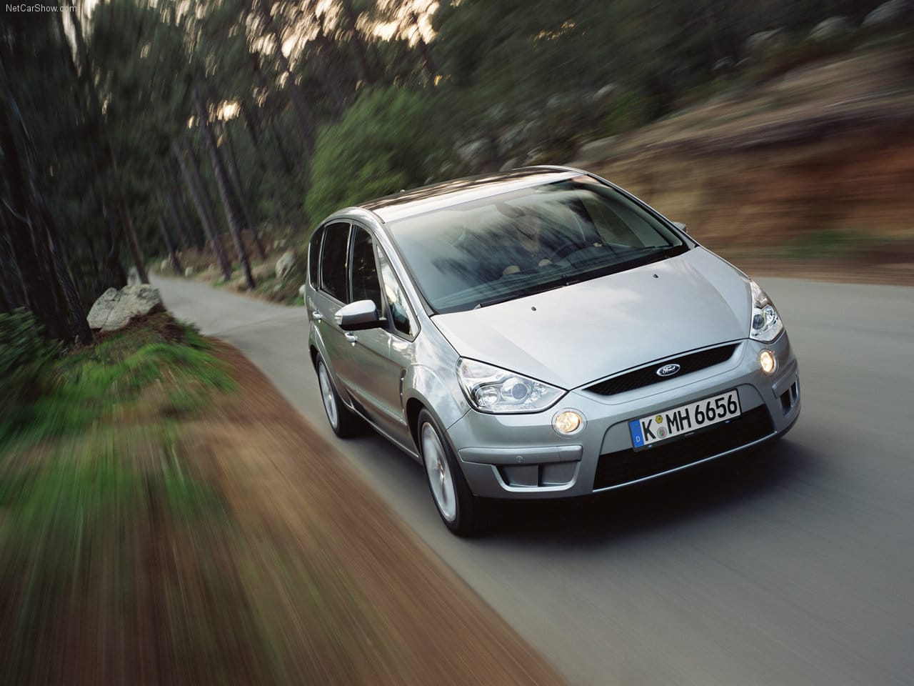 Ford S-Max, Ford, S-Max, Galaxy, people carrier, family car, bargain car, big car, practical car, car sales, motoring, automotive, estate car, kinetic design, David Hilton, ebay, ebay motors, autotrader