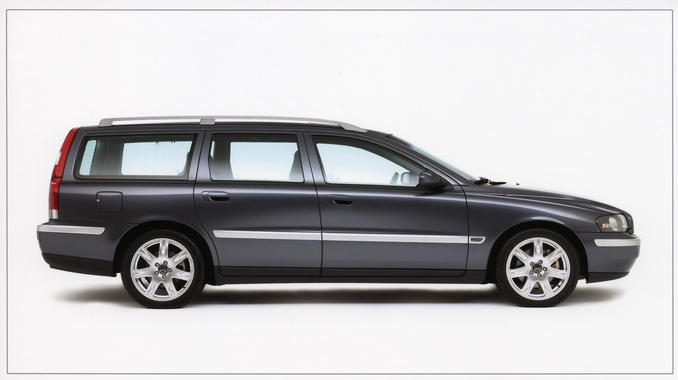 Volvo V70, Volvo, V70, cars, swededn, motoring, automotive, estate car, estate, car sales, retro car, classic car, motoring, jake belder,