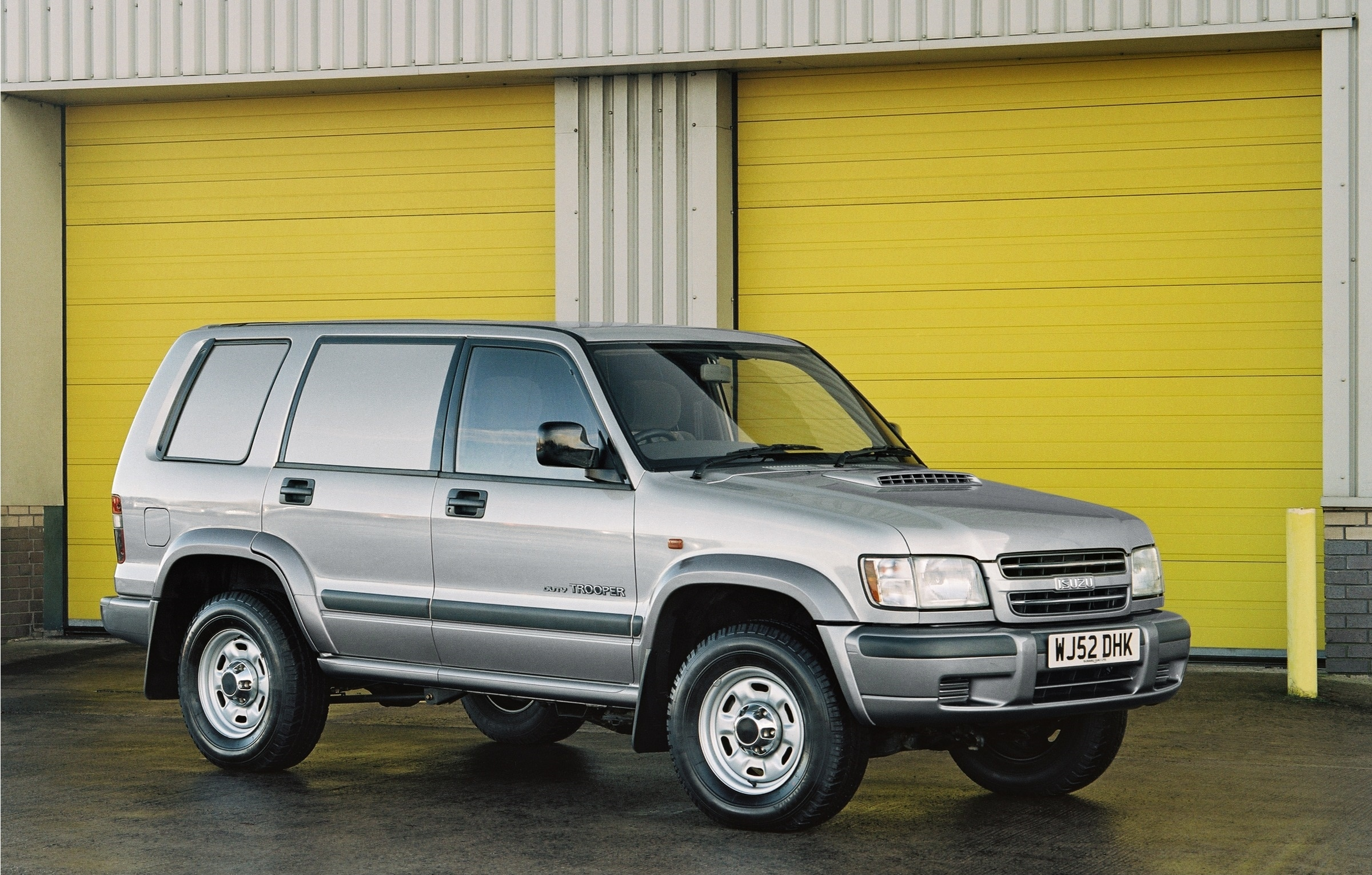 Isuzu Trooper, Isuzu, Trooper, 4x4, off road, agricultural, tough truck, motoring, automotive, car, cars, retro car, classic car, autotrader, ebay, ebay motors, car sales, cheap car,