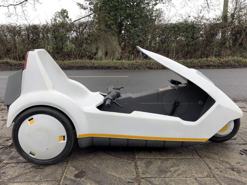 Sinclair, C5, Sinclair C5, Clive Sinclair, personal transport, three-wheeler, motoring, automotive, British invention, classic car, retro car, ebay, ebay motors, autotrader, carandclassic, adrian flux, not 2 grand, www.not2grand.co.uk, car, cars, Reliant Robin, featured