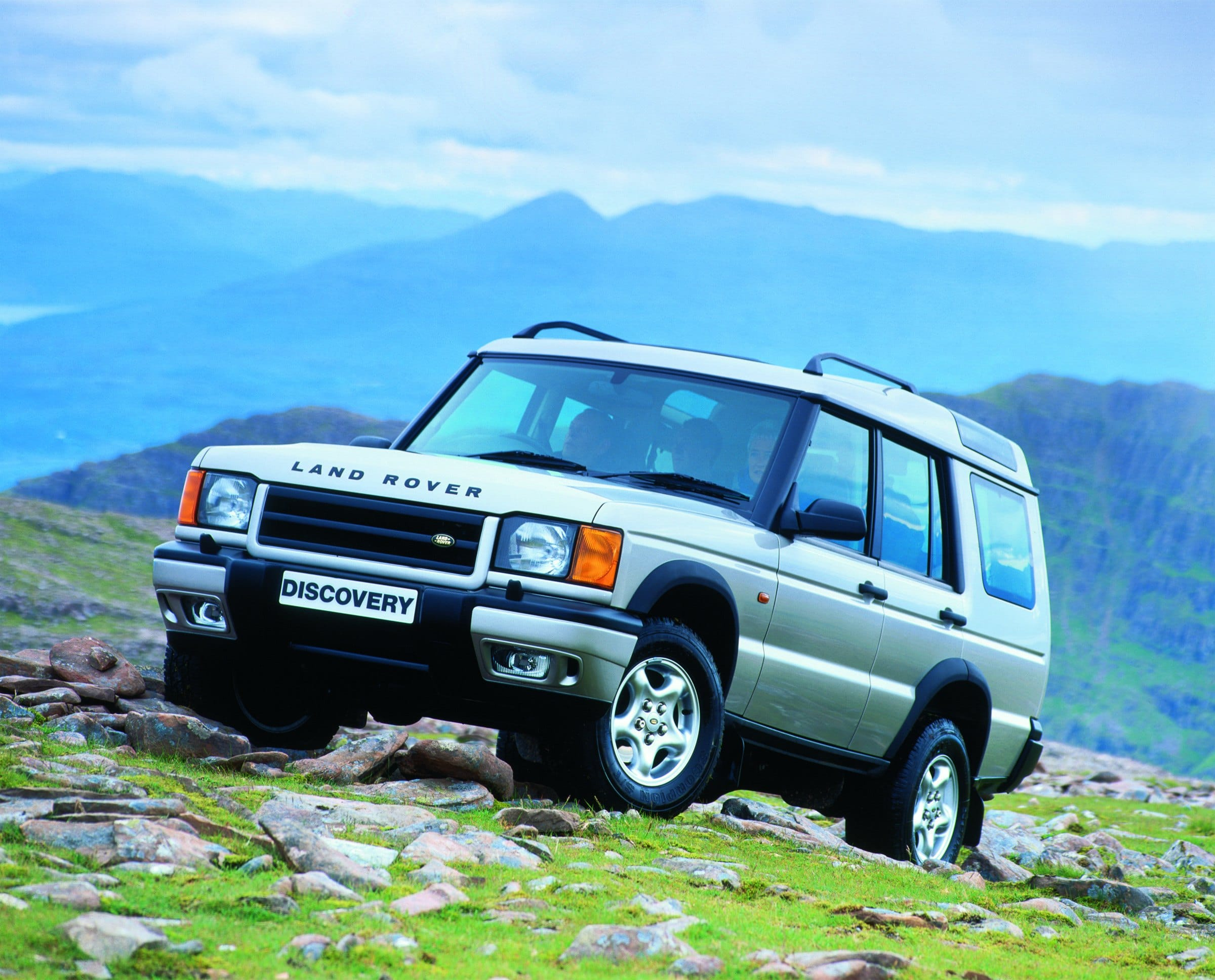 Land Rover, Land Rover Discovery, Discovery, TD5, V8, 4x4, Land Rover buying guide, motoring, automotive, classic car, retro car, motoring, automotive, not2grand, www.not2grand.co.uk, adrian flux, featured, ebay, ebay motors, autotrader