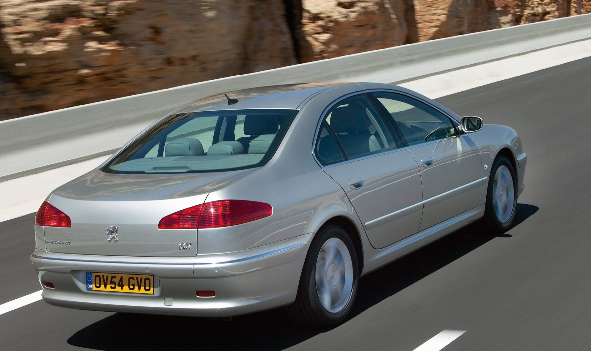 Peugeot 607, Peugeot, 607, luxury car, executive car, 607 buying guide, motoring, automotive, car, cars, classic car, retro car, ebay, ebay motors, autotrader, cazana, cheap car, bargain car, adrian flux, not2grand, www.not2grand.co.uk, car, cars, featured