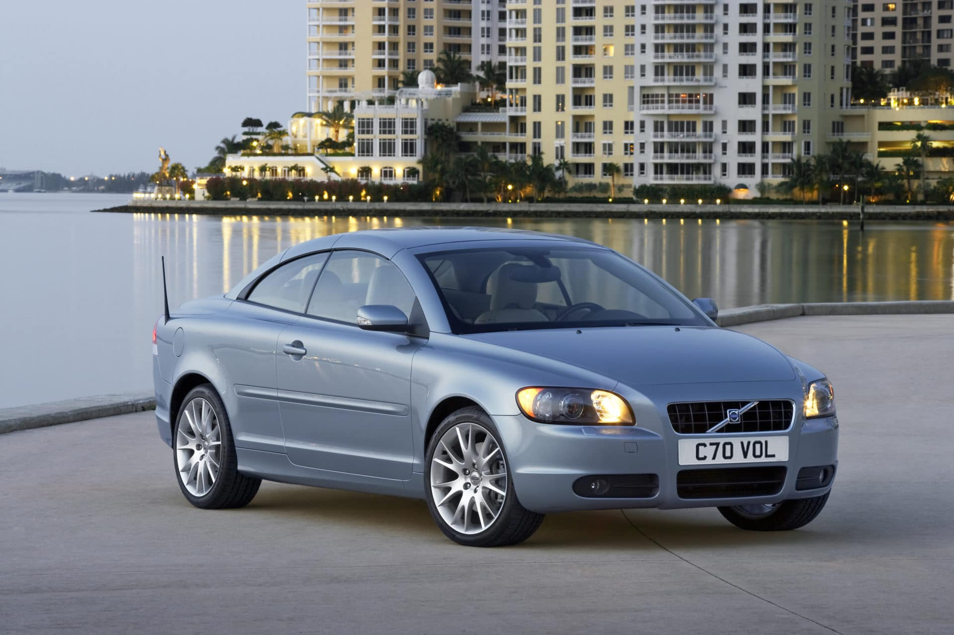 Volvo c70 buyers guide.