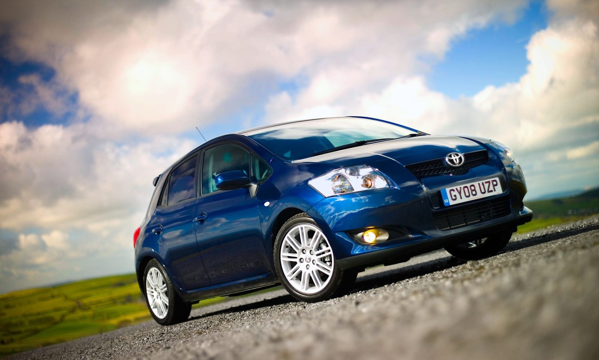 Toyota Auris, Toyota, Auris, Toyota Corolla, Corolla, hatchback, motoring, automotive, featured, car, cars, classic car, retro car, adrian flux, not2grand, www.not2grand.co.uk, Auris review, used Auris, motoring, automotive