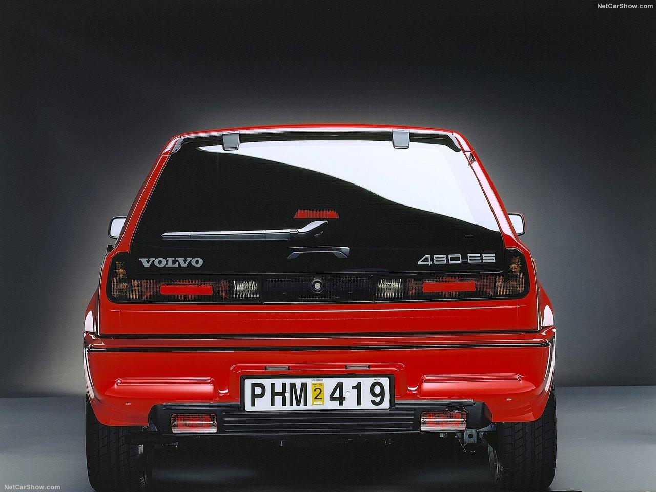 Volvo, Volvo 480, 480, pop-up headlights, classic car, retro car, motoring, automotive, carandclassic.co.uk, carandclassic, not2grand.co.uk, not2grand, adrian flux, retro car, classic Volvo, Volvo Turbo