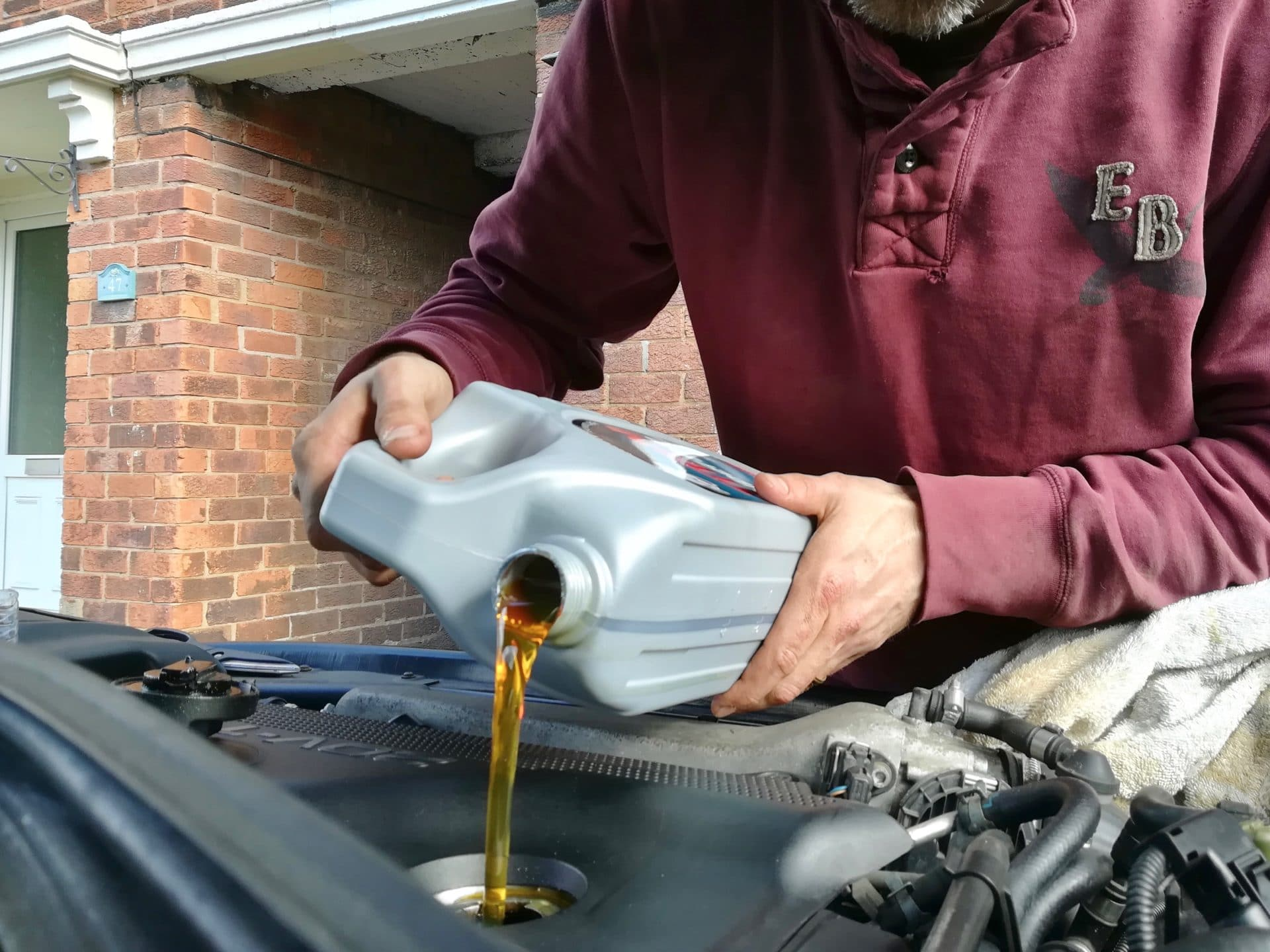 engine, engine fluids, engine oil, engine maintenance, classic car, retro car, motoring, automotive, hom mechanic, car repair, not2grand, not2grand.co.uk,