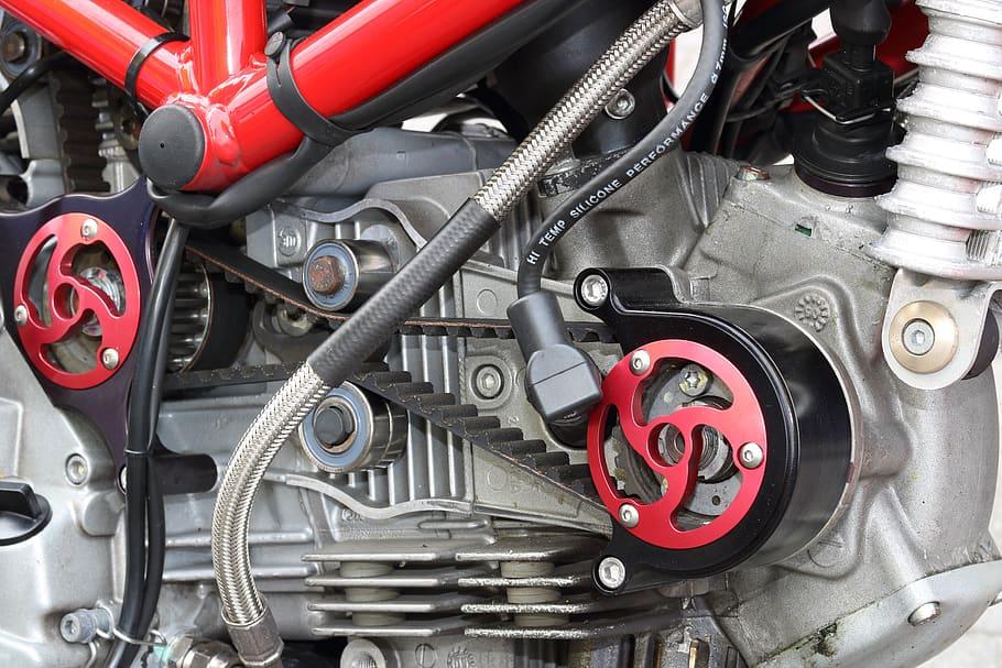 belt, chain, timing belt, timing chain, engine, servicing, classic car, retro car, motoring, automotive, car repair, car maintenance, engine, not2grand, not2grand.co.uk