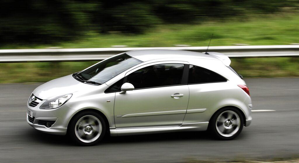 Corsa, Vauxhall, Vauxhalll Corsa, Corsa SRi, SRi, Vaxuhall Corsa SRi, hot hatch, VXR, motoring, automotive, performance vauxhall, classic car, retro car, fun car, cheap car, bargain car, not2grand, not2grand.co.uk, featured, car, cars, automotive, motoring