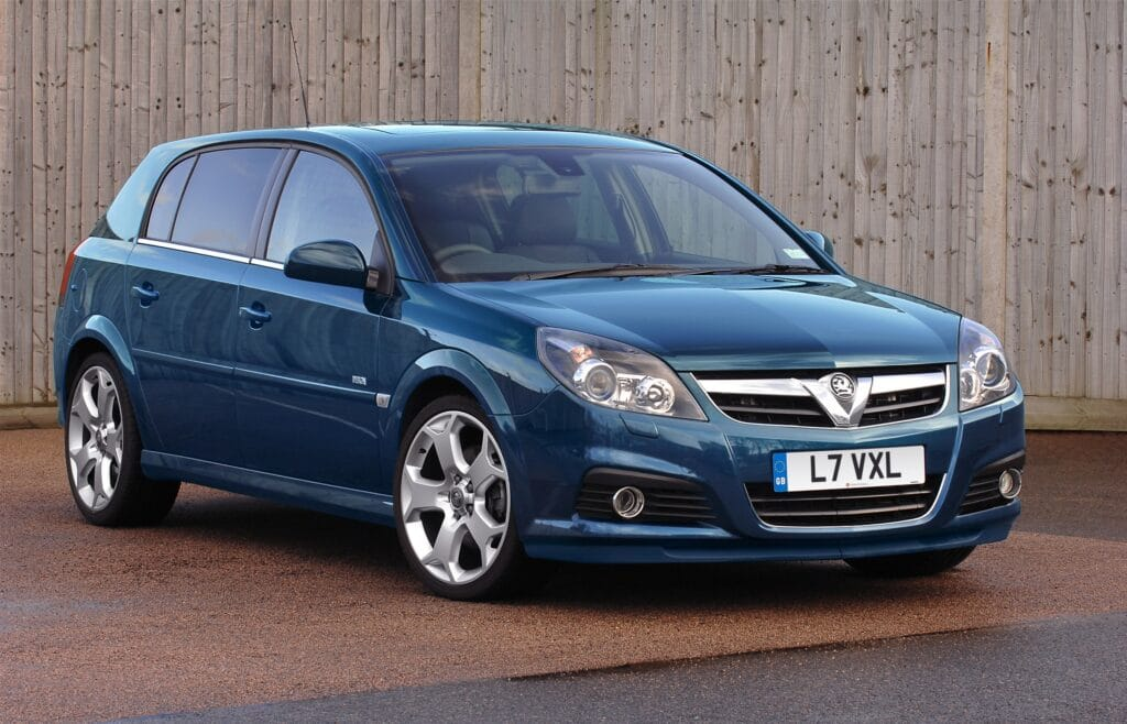 Signum, Vauxhall, Vauxhall Signum, Vectra, Vauxhall Vectra, motoring, automotive, classic car, retro car, executive car, motoring, automotive, Vauxhall, featured, cheap acr, family car, Vauxhall Signum buying guide