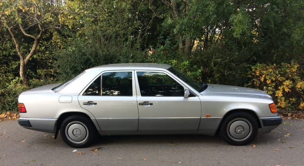 W124, Mercedes-Benz, W124 Mercedes-Benz, Mercedes, project car, restoration, cheap car, bargain car, not2grand, not2grand.co.uk, carandclassic.co.uk, car and classic, car, cars, retro car, classic car, motoring, automotive,